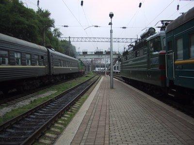 途方に暮れたロシアの夜行列車。